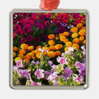 Cama de flor colorida adorno navideño cuadrado de metal