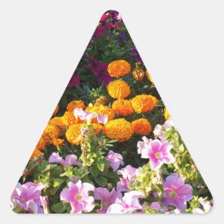 Cama de flor colorida pegatina triangular