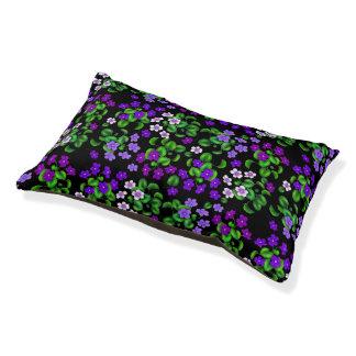 Cama púrpura del mascota de las violetas de jardín