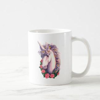 Camafeo del unicornio taza básica blanca
