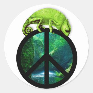 camaleón de la paz pegatina redonda