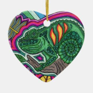 camaleón adorno de cerámica en forma de corazón