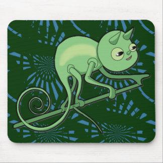 Camaleón en el vagabundeo tapete de ratón