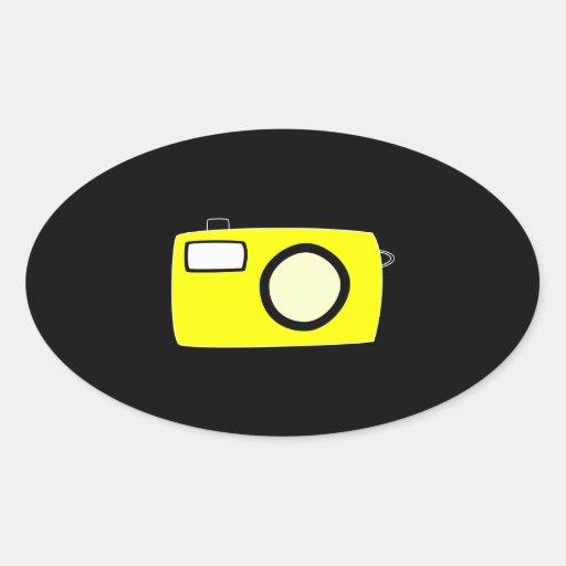 Cámara amarilla brillante. En negro Pegatina De Óval Personalizadas