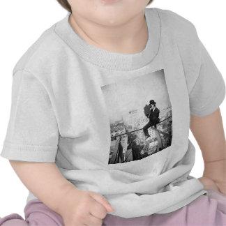 cámara antigua en una foto del vintage del highris camisetas
