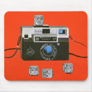 Cámara de Instamatic con Flashcubes Tapetes De Ratones