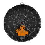 Cámara de película anaranjada tabla dardos