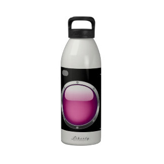 Cámara digital con una abertura rosada botallas de agua
