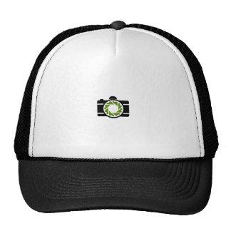 Cámara digital con una abertura verde gorra