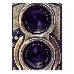 cámara pasada de moda postal