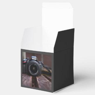 Cámara temática, una imagen de una cámara guardada caja para regalos