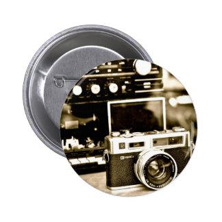 Cámara vieja de la foto pin redondo 5 cm