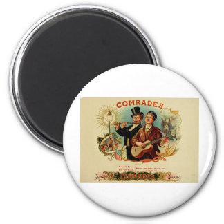 Camaradas de la etiqueta de la caja de cigarros    imán redondo 5 cm