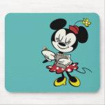 Camarera de Minnie el | del francés Mouse Pads