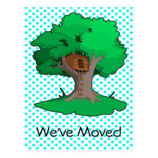 Cambio de la casa en el árbol de postal de la dire