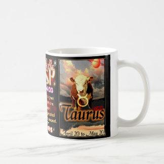 Cambio de signo del zodiaco del tauro del aries po taza de café