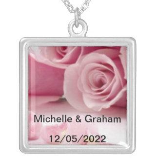 Cambio del collar del boda el texto