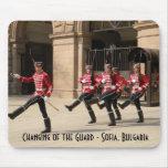 Cambio del guardia - Sofía, Bulgaria Tapetes De Ratón