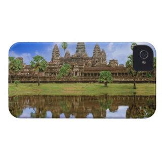 Cambodia, Kampuchea, Angkor Wat temple. iPhone 4 Cover