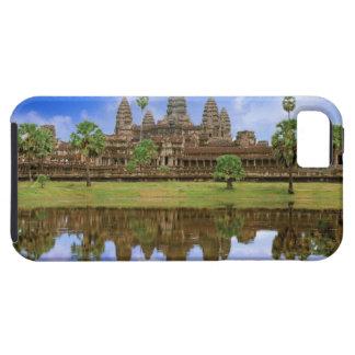 Cambodia, Kampuchea, Angkor Wat temple. iPhone SE/5/5s Case