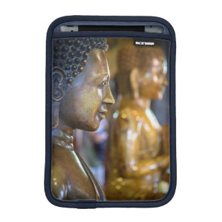 Cambodia, Phnom Penh. Buddha statues Sleeve For iPad Mini
