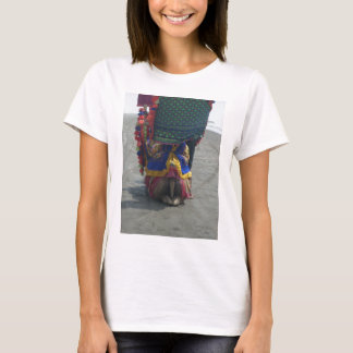 Camel on the toes.png T-Shirt
