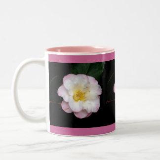 Camelia rosada de ruborización tazas de café
