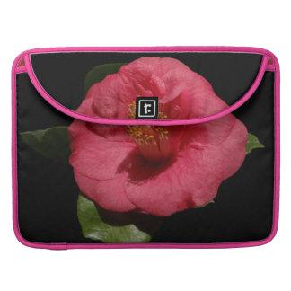 Camelia rosada magnífica fundas macbook pro