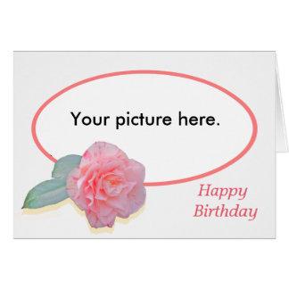 Camelia rosada, marco de encargo, feliz cumpleaños tarjeta de felicitación
