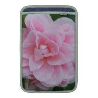 Camelia rosado floreciente fundas para macbook air
