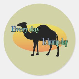 Camello - cada día es día de chepa pegatina redonda