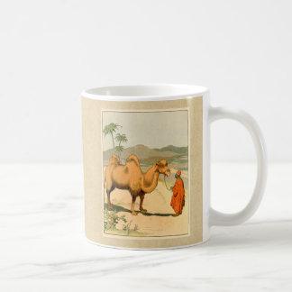 Camello de la Doble-Chepa en el desierto mongol Taza De Café