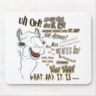 Camello del día de chepa alfombrillas de ratón