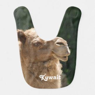 Camello kuwaití babero de bebé