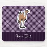 Camello lindo; Púrpura Alfombrillas De Raton