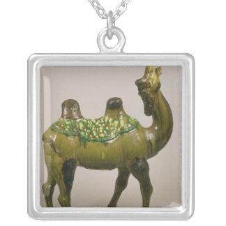 Camello que se lamenta chino de la cerámica colgante cuadrado