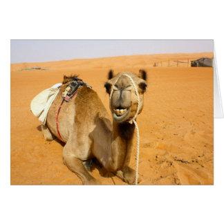 Camello sonriente divertido tarjeta de felicitación