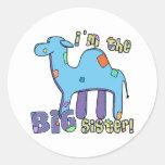 Camello soy la hermana grande etiqueta redonda