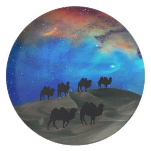 Camellos de la caravana del desierto platos para fiestas