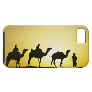 Camellos y conductor del camello silueteado en la  iPhone 5 cárcasa