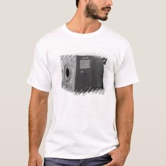 Camera of Joseph Nicephore Niepce, c.1816-22 T-Shirt