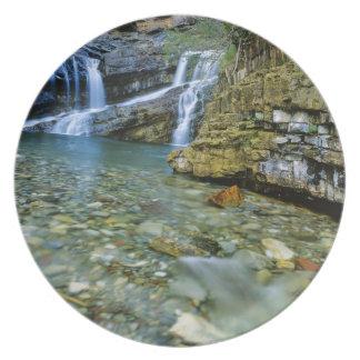 Cameron cae en parque nacional de los lagos Watert Platos Para Fiestas