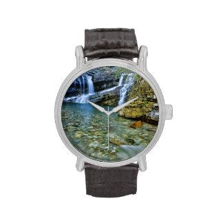 Cameron cae en parque nacional de los lagos Watert Relojes