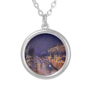 Camille Pissarro el bulevar Montmartre en la noche Collar Personalizado