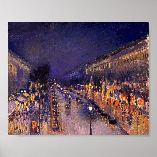 Camille Pissarro el bulevar Montmartre en la noche Poster