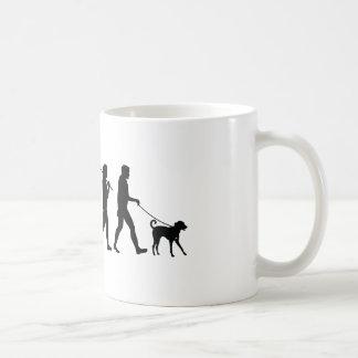 Caminando el perro tazas de café