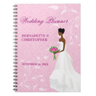 Caminando el planificador del boda del rosa del notebook