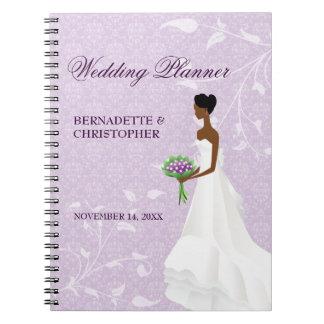 Caminando el planificador púrpura del boda del libro de apuntes