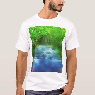 Caminante del paseo del río del verano playera