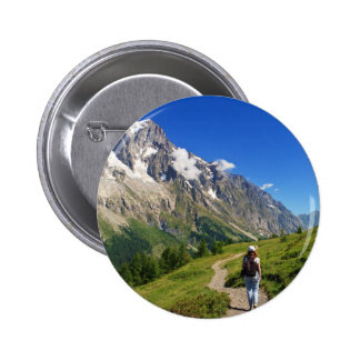 caminante en el valle del hurón, Italia Pin Redondo De 2 Pulgadas